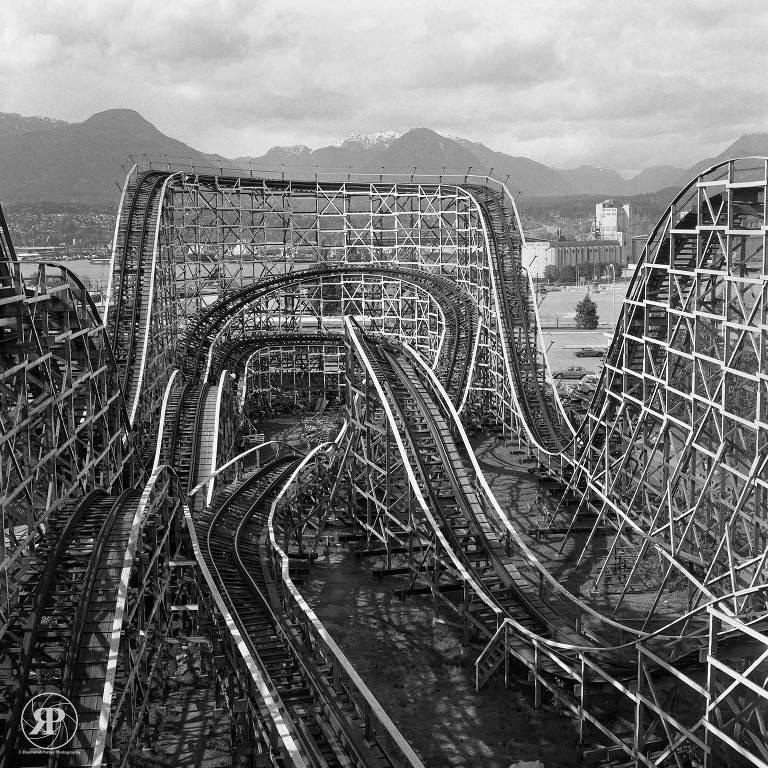 Roller coaster, Playland